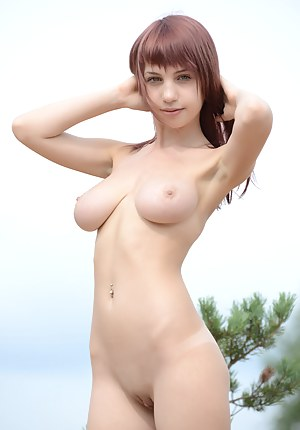 Best Saggy Tits Teen XXX Pictures