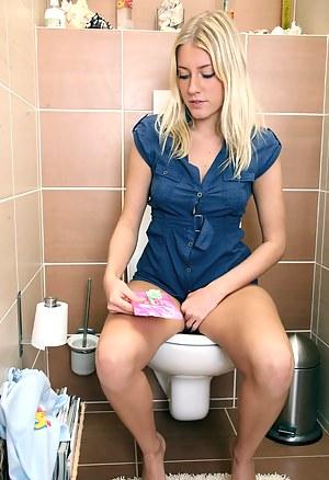 Best Teen Toilet XXX Pictures
