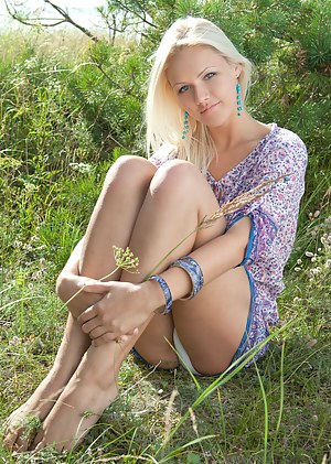 Best Teen Outdoor XXX Pictures